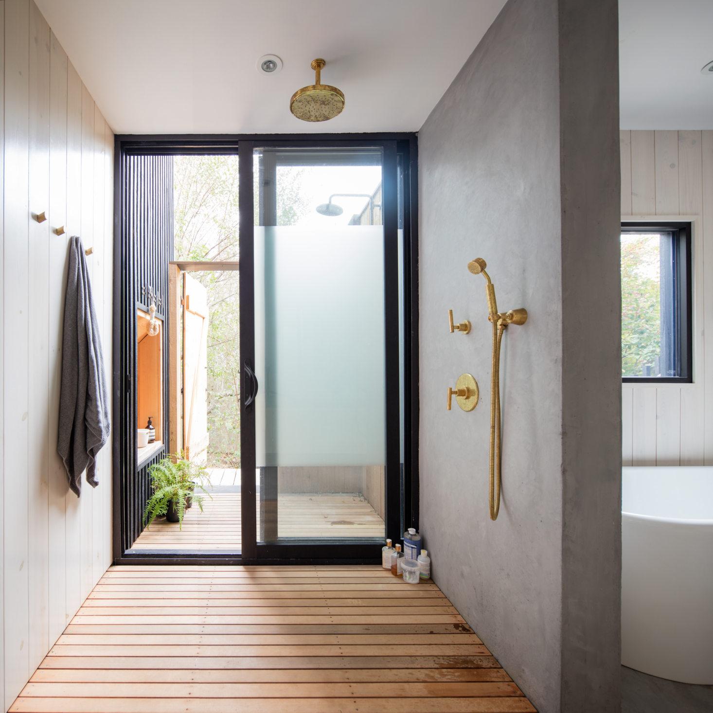 minimalist Montauk beach house