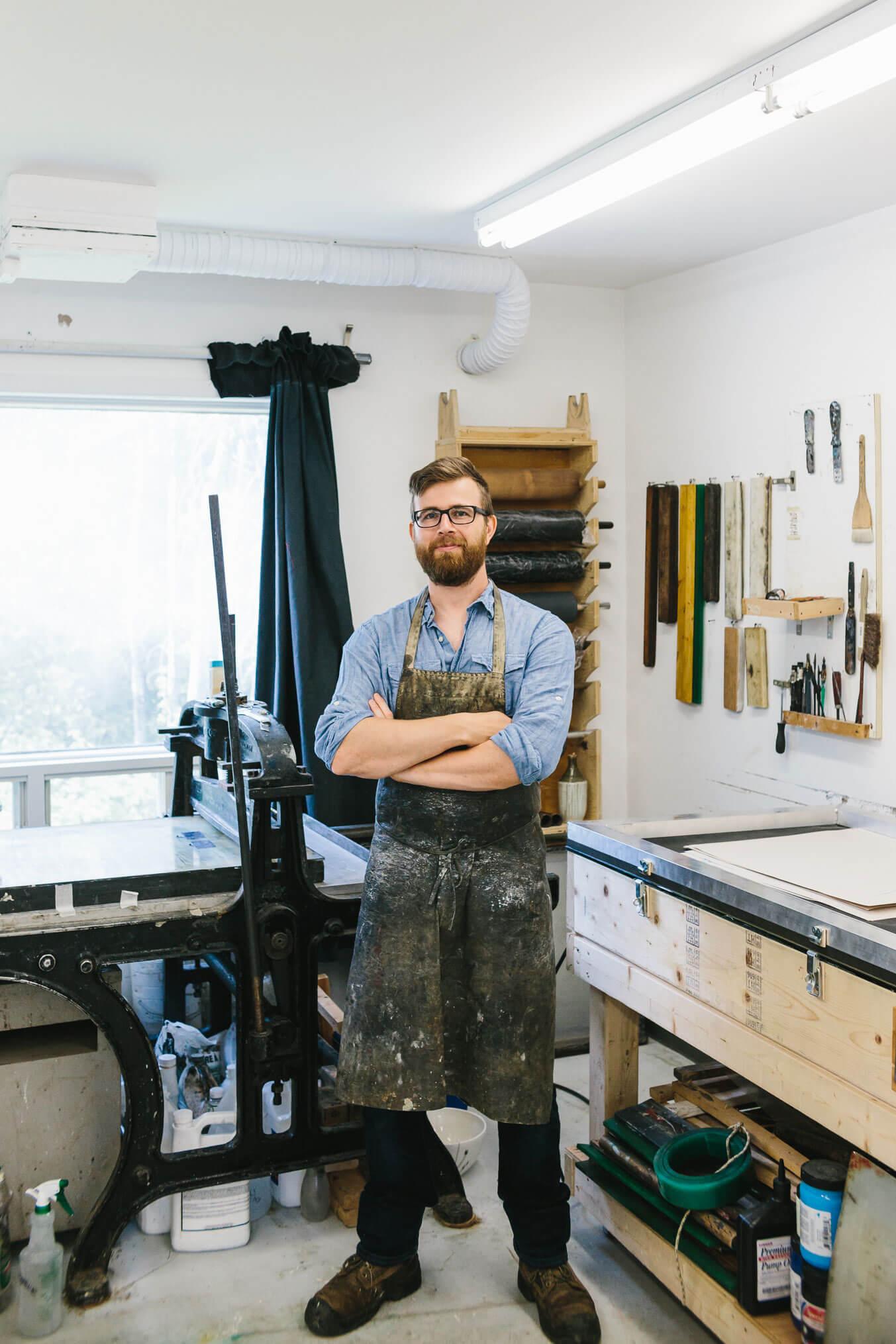 pierre durette causapscal dans son atelier artiste
